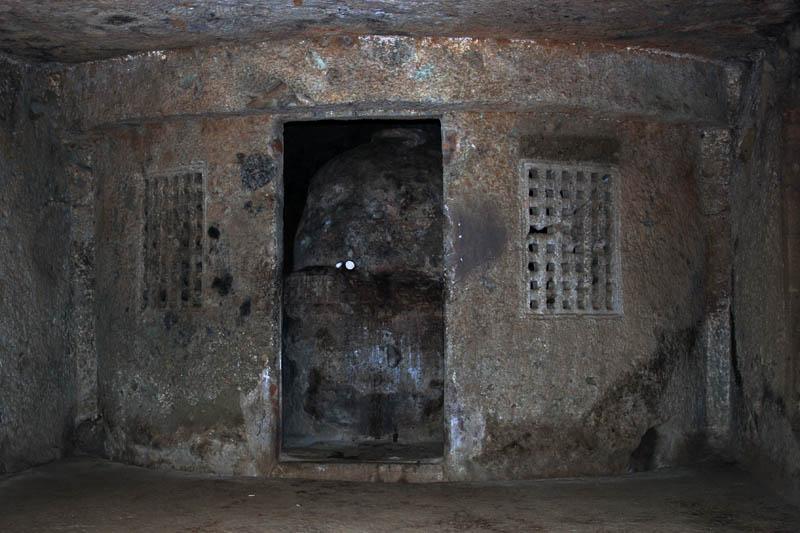 Буддистский пещерный монастырь Кондивита/Махакали (Kondivita/Mahakali Caves)s)