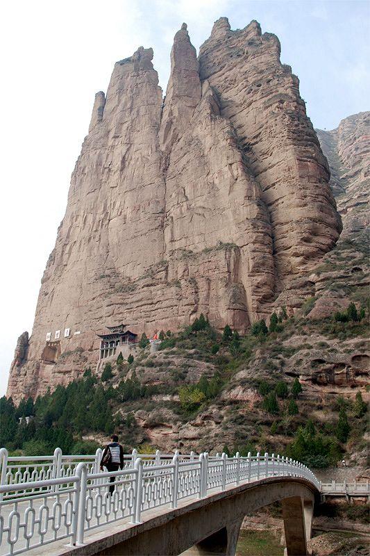 Буддистский скальный храмовый комплекс Бинлин Сы (Бинлинсы, Bingling Si)