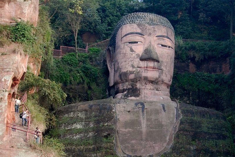 Гигантский Будда в Лэшане (Leshan Giant Buddha)