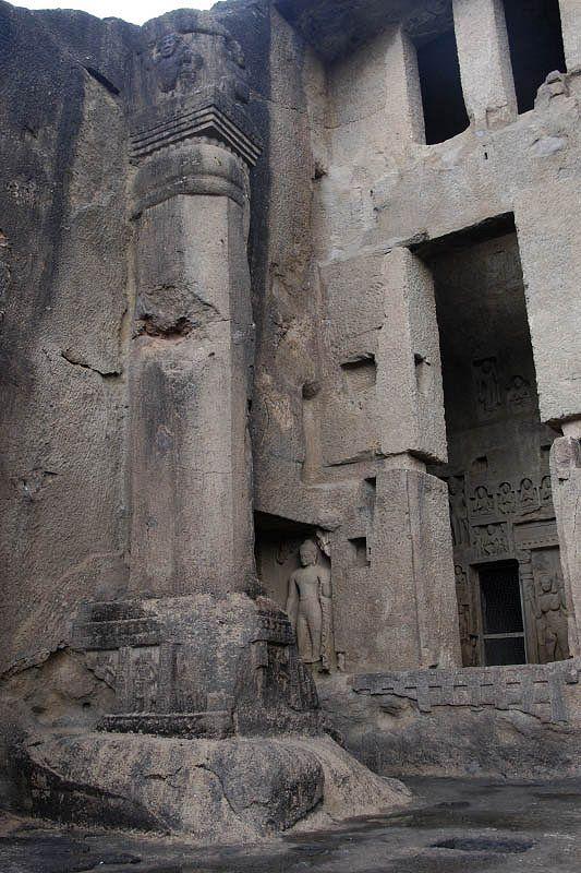 Буддистский пещерный монастырский комплекс Канхери (Kanheri Caves)