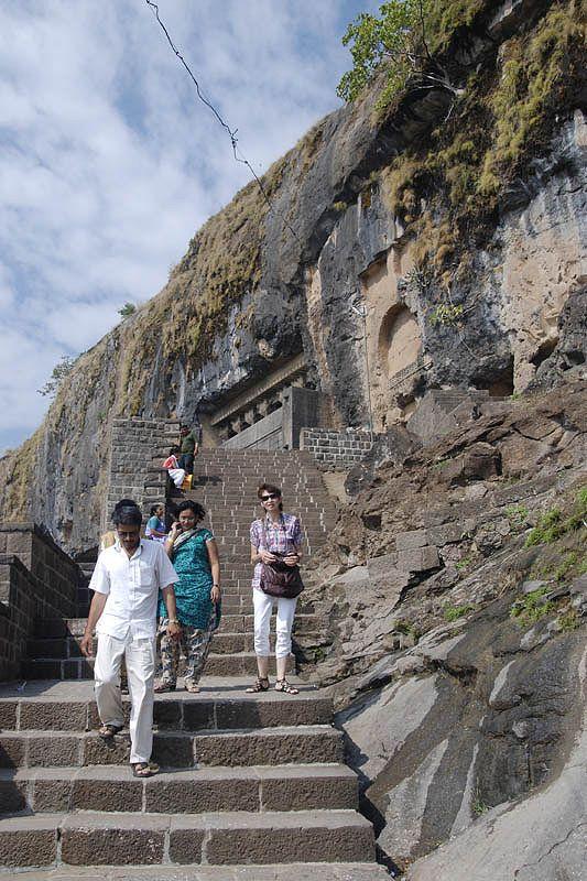 Джуннар и буддистские пещеры Леньядри (Junnar and Lenyadri caves)