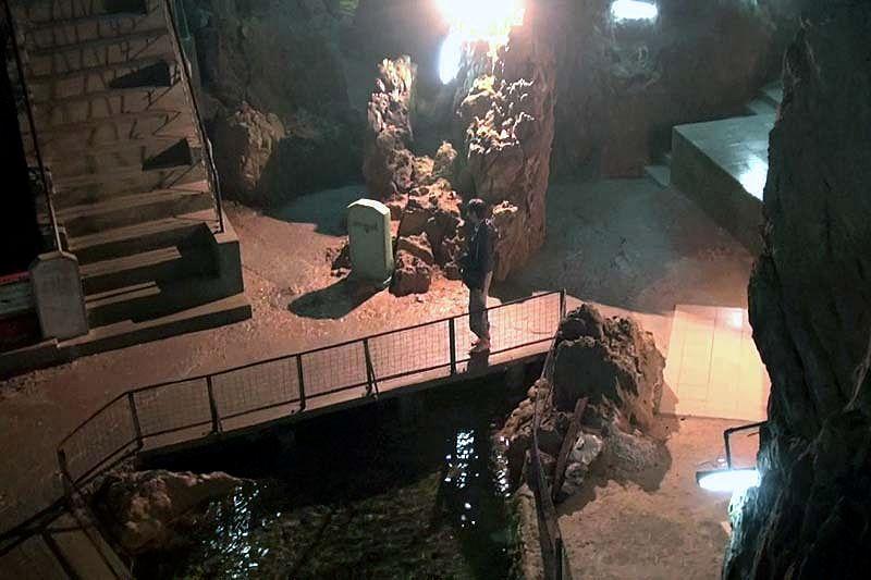 Пещерный буддистский храм Пей Чин Мьяун (Peik Chin Myaung Cave, Maha Nandamu Cave)