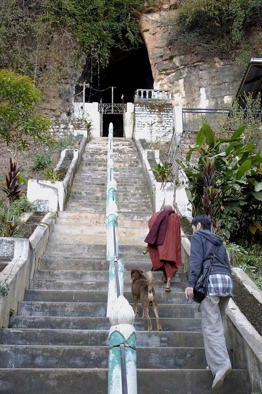 Пещерный буддистский храм Монтава (Montawa Cave)