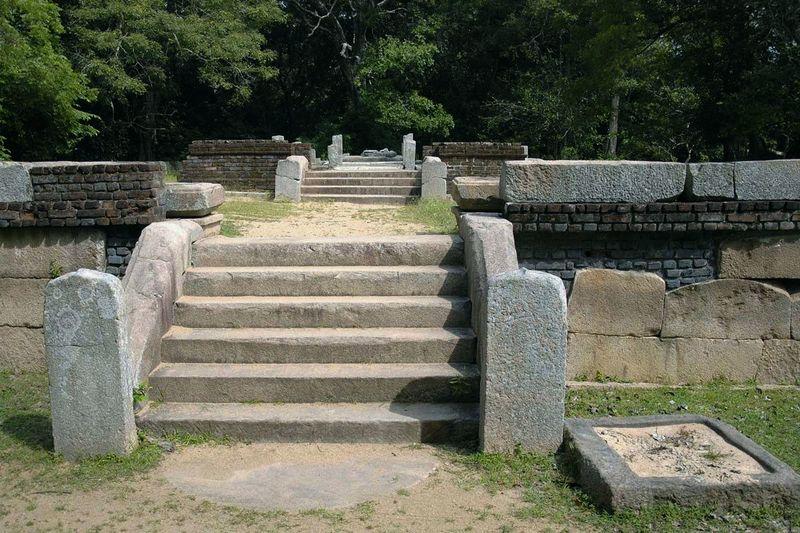Буддистский монастырь Хаттхикуччи (Hatthikuchchi, Hasthikuchchi, Rajangana ruins)