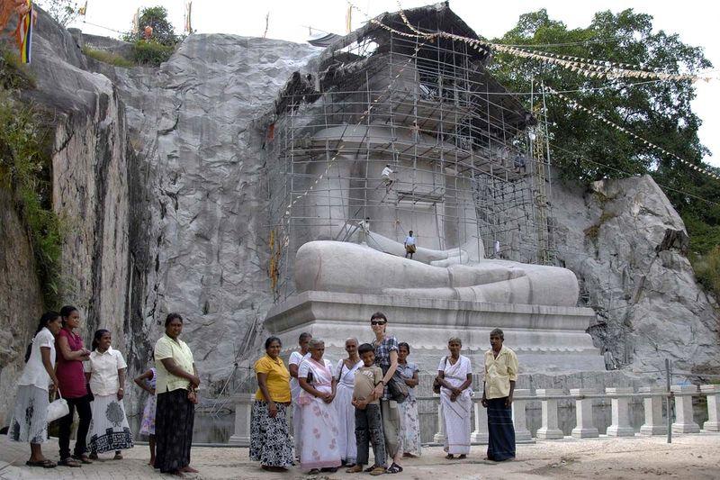 Гигантский Будда в Рамбадагалле (Giant Samadhi Buddha statue at Rambadagalla)