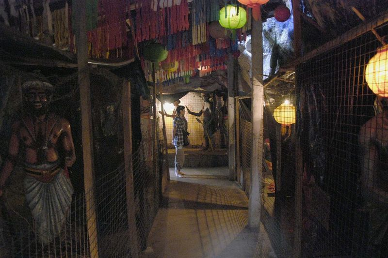 Буддистские пещерные храмы Алувихара (Aluviharа Rock Temples)