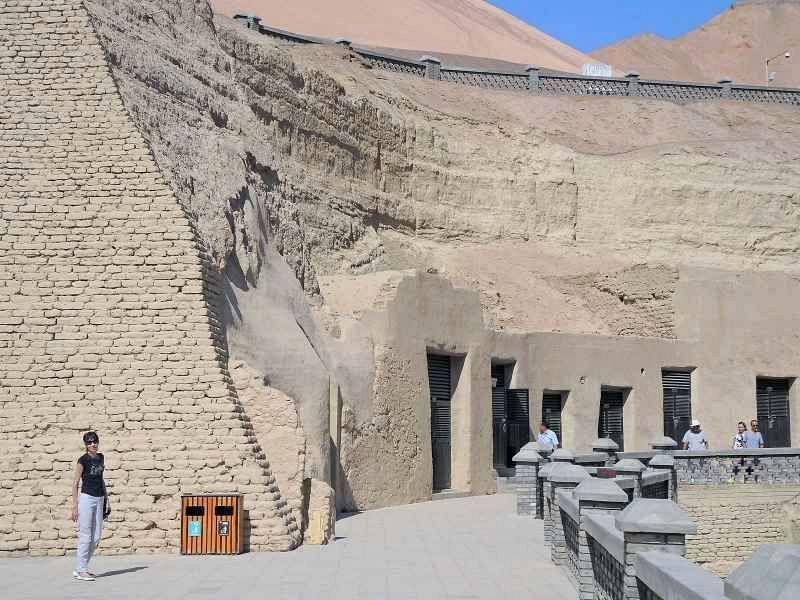 Пещеры тысячи будд Безеклик (Bezeklik Thousand Buddhas Caves)